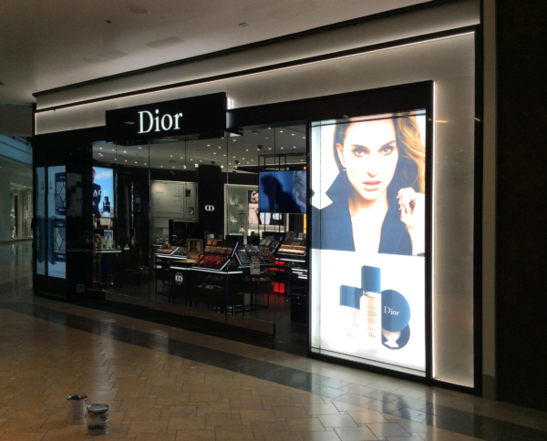 DIOR Retail Store